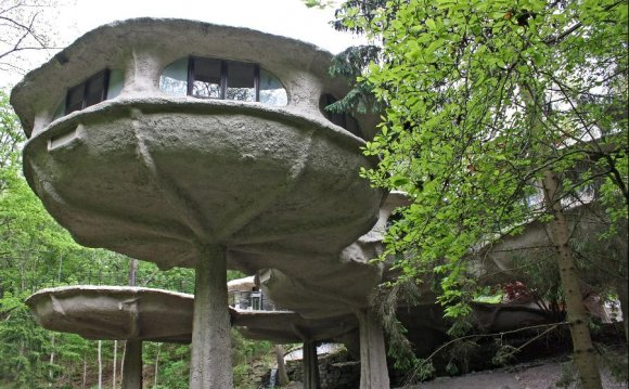 12 Strange And Unusual Homes