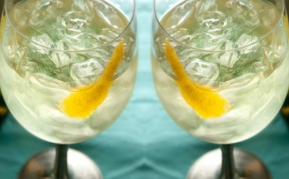 8 Cool Summer Wine Spritzer